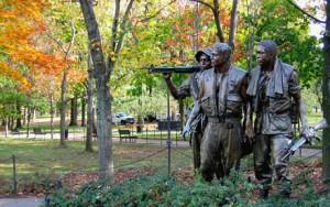 Soldiers at Vietnam Memorial