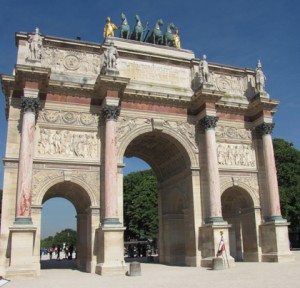 Trimph Arch in front of Louve